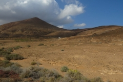 Am Fuße des Vulkans vor dem Anstieg