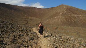 Wanderung in einen Vulkankrater